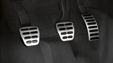 Fundas de pedal de en acero inoxidable. Vehículos con caja de cambios manual