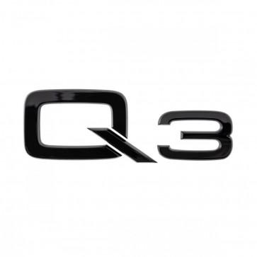 Denominación de modelo Q3 en negro