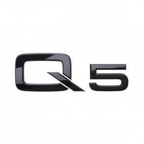 Denominación de modelo Q5 en negro
